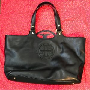 Like New! Tory Burch black purse.